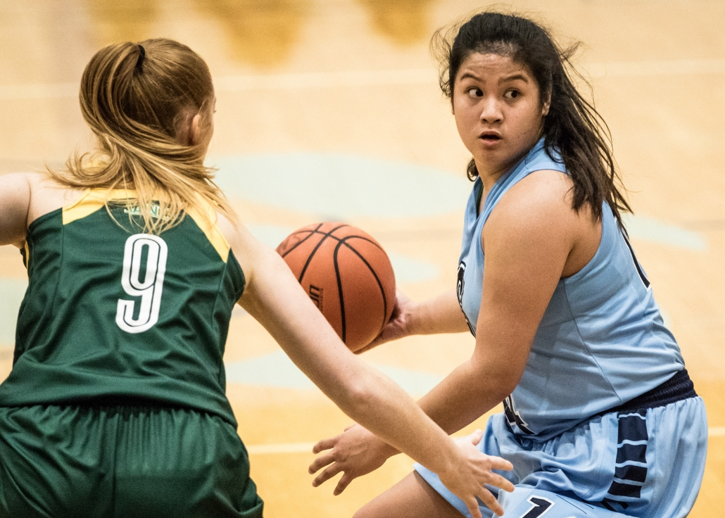 BRAMPTON, ON – Nov. 26, 2016: Liana Rose Villegas of the Sheridan Bruins looks for a pass in OCAA action against the St. Clair Saints.