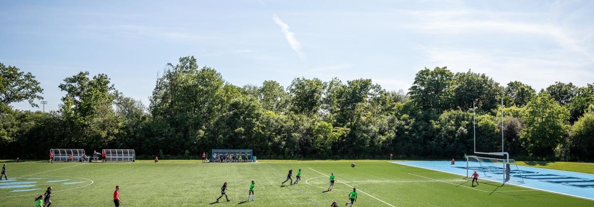 Sports Photography – League1 Ontario Regular Season, Women's Soccer, DeRo United vs. Oakville Blue Devils in Oakville, Ontario, Canada at Sheridan College (Trafalgar Campus)